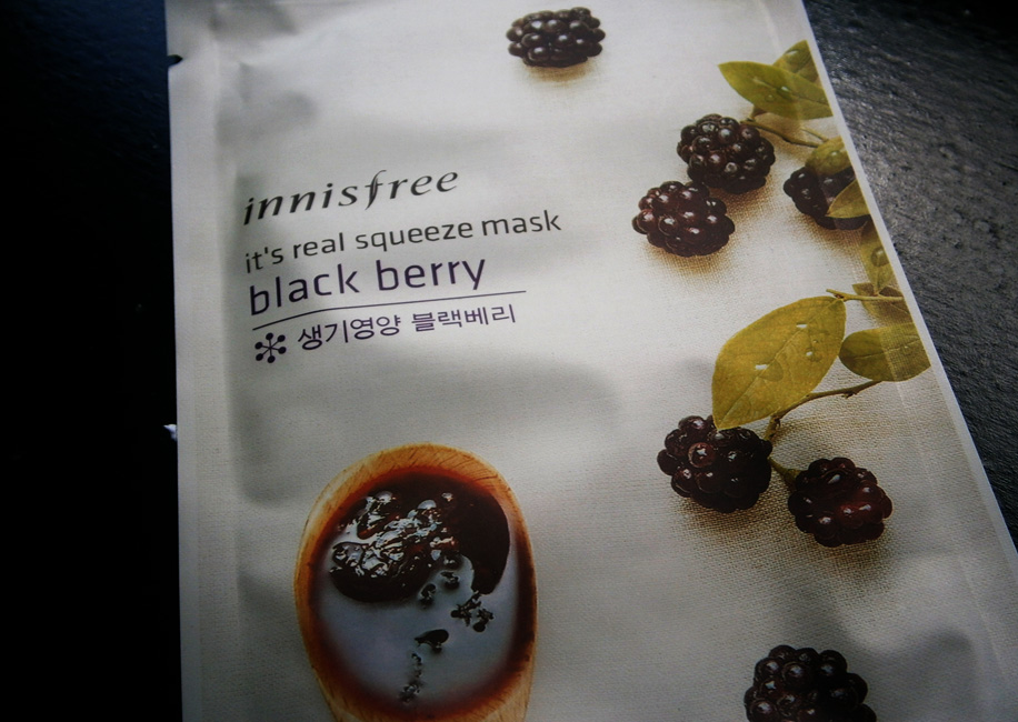 MASCARILLA – Innisfree It's Real Squeeze Mask – BLACKBERRY