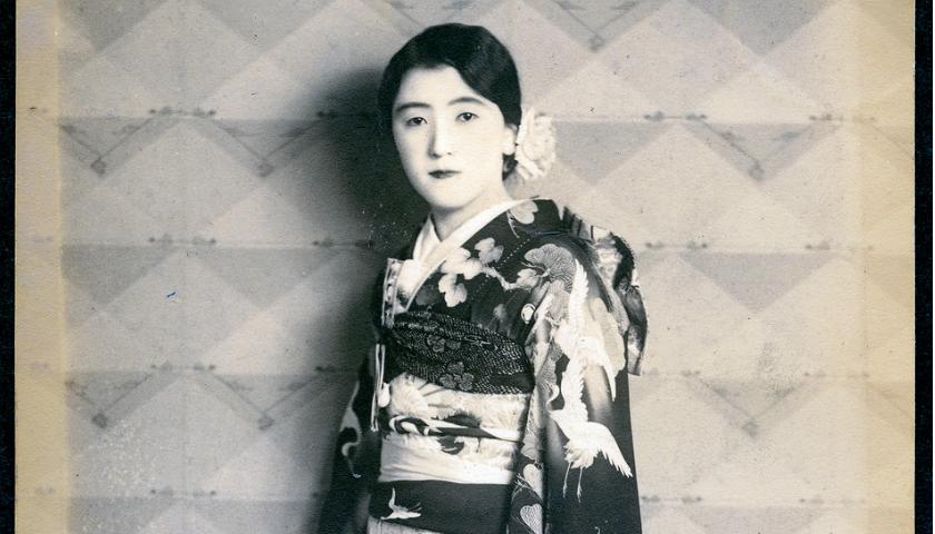 20 RETRATOS VINTAGE DE MUJERES JAPONESAS CON KIMONO EN LOS AÑOS 30