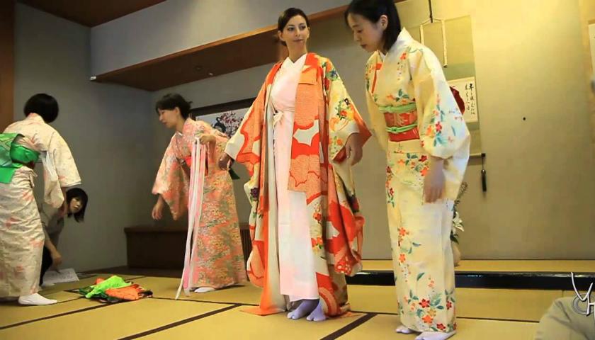 KITSUKE : EL ARTE DE VESTIR KIMONO EN JAPON