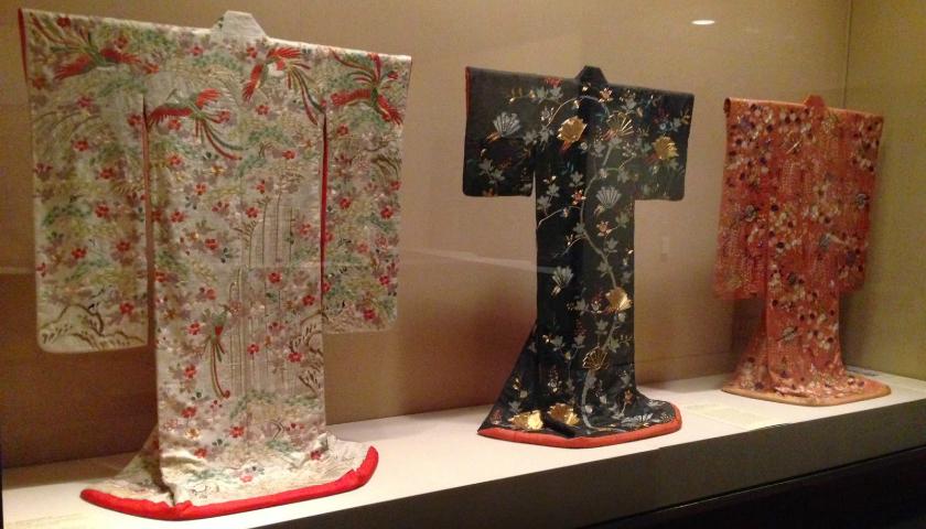 KIMONO ANTIGUO JAPONES: UN TESORO EN TU ARMARIO