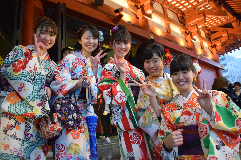 Kimono para cada ocasión: tipos de tejidos
